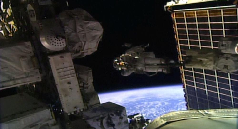 宇航员在没有厕所的国际空间站如何生存?