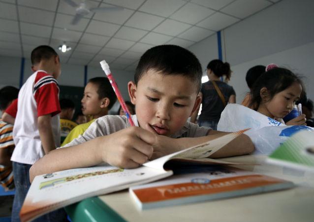 武汉中学生给世卫组织驻华代表高力写信