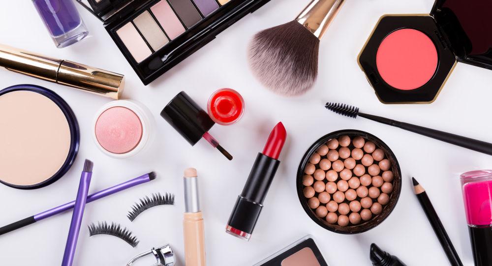 中国博主推动俄罗斯的化妆品出口