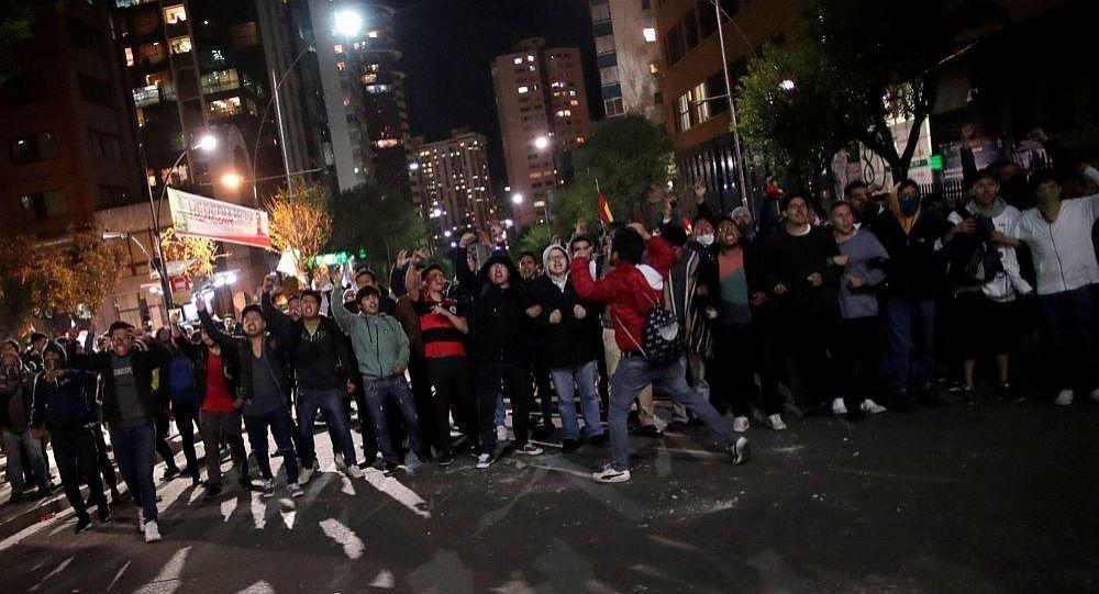 媒体:玻利维亚抗议活动至少导致30人受伤