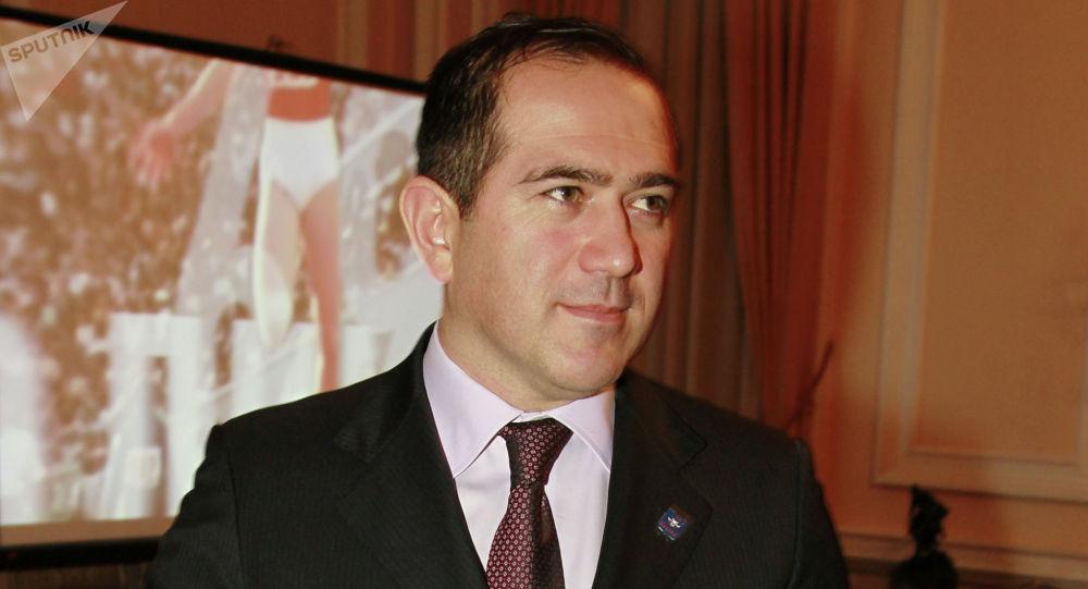 艾哈迈德·比拉洛夫