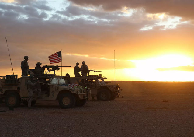 外媒:美军从伊拉克转移到叙利亚代尔祖尔省