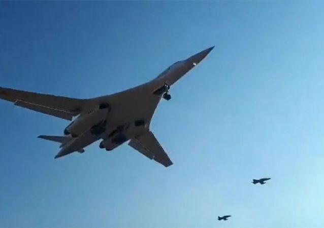 俄国防部收到两架改造后的图-160战略轰炸机