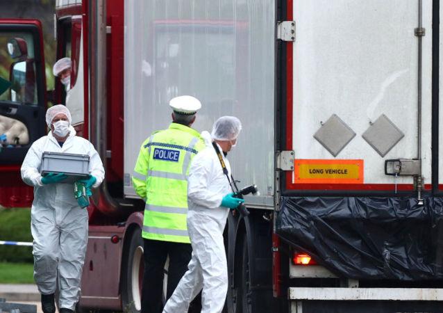 北爱尔兰男子在英国39人卡车命案中被控误杀罪