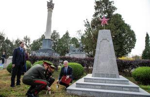 中国纪念苏联士兵从日本军国主义手中解放东北