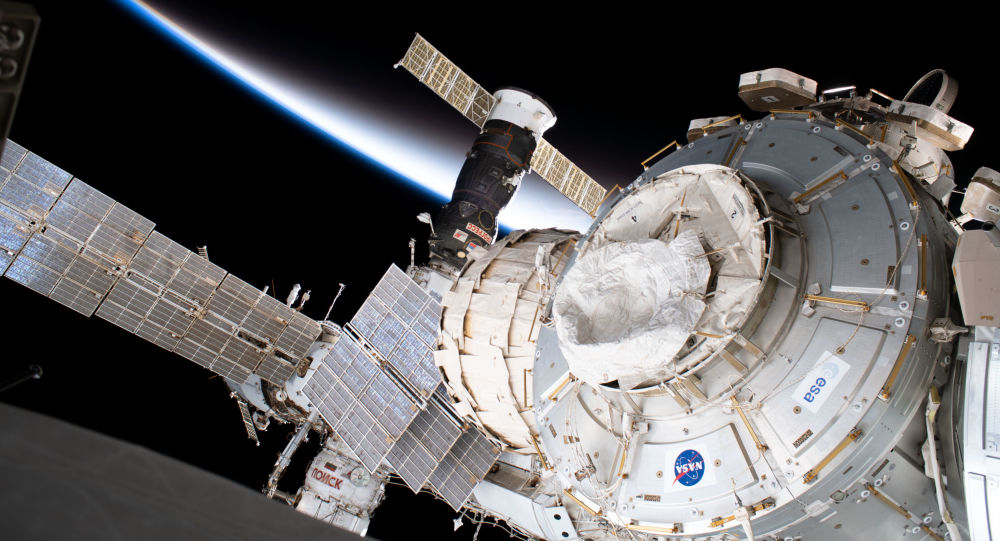 """""""进步""""货运飞船将于2月9日离开国际空间站"""