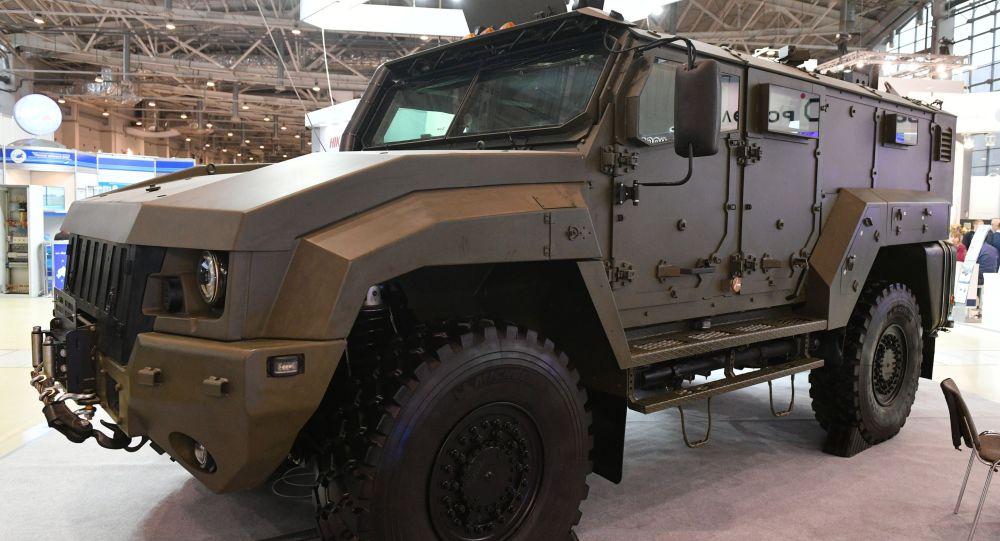 """""""台风""""(К53949)装甲车"""