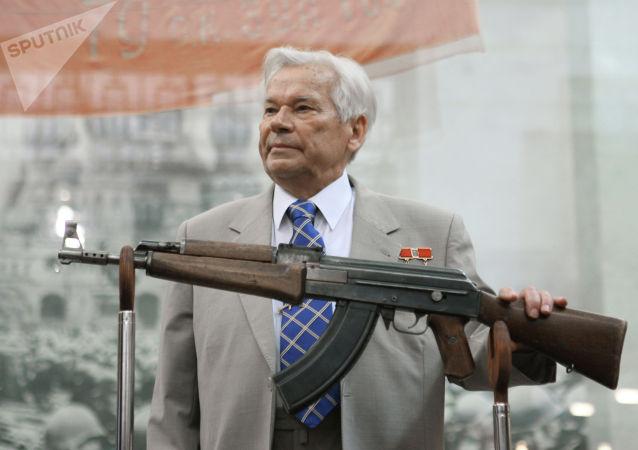 著名枪械师米哈伊尔·卡拉什尼科夫