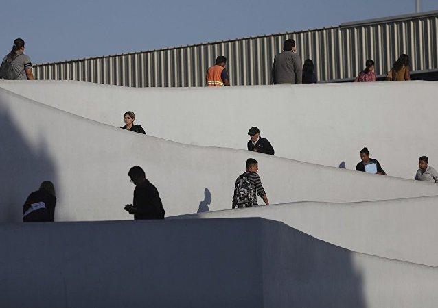 移民在美墨边境