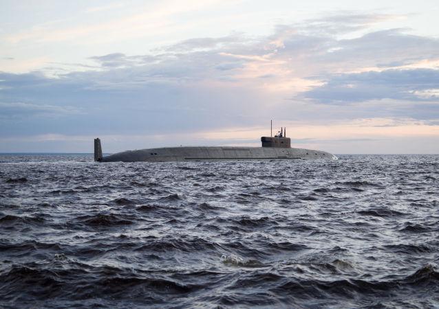 俄罗斯核潜艇在巴伦支海深处进行决斗演习