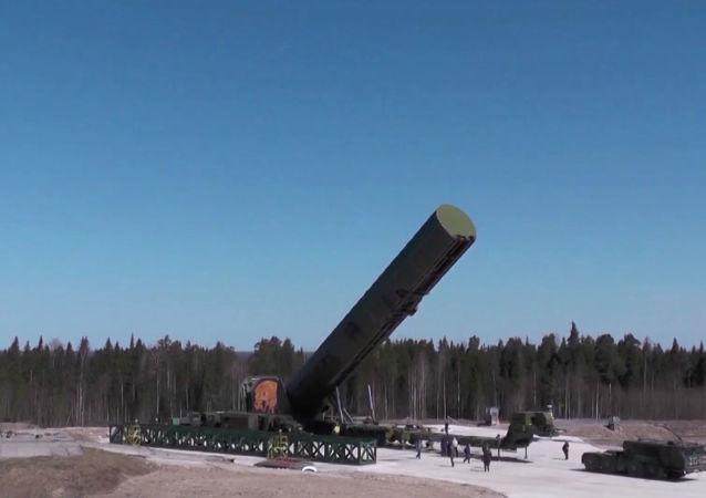 新式洲际弹道导弹萨尔马特