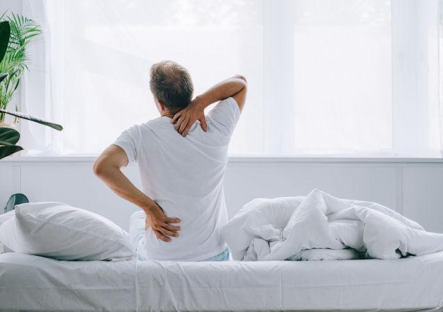 日本教授谈如何快速摆脱背痛