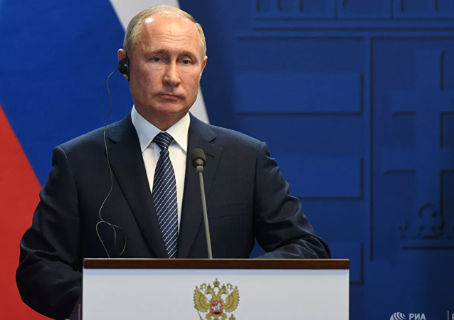 普京谈泽连斯基与民族主义者见面:很难说他能否对付得了他们