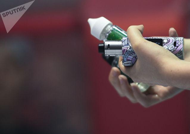 普京签署新法令将雾化器和水烟列入《禁烟法》管制品清单