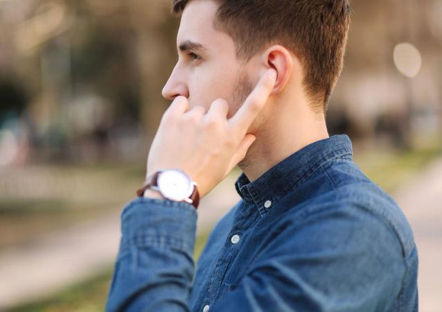 """美国JBL公司提出""""永恒自充电耳机""""概念"""