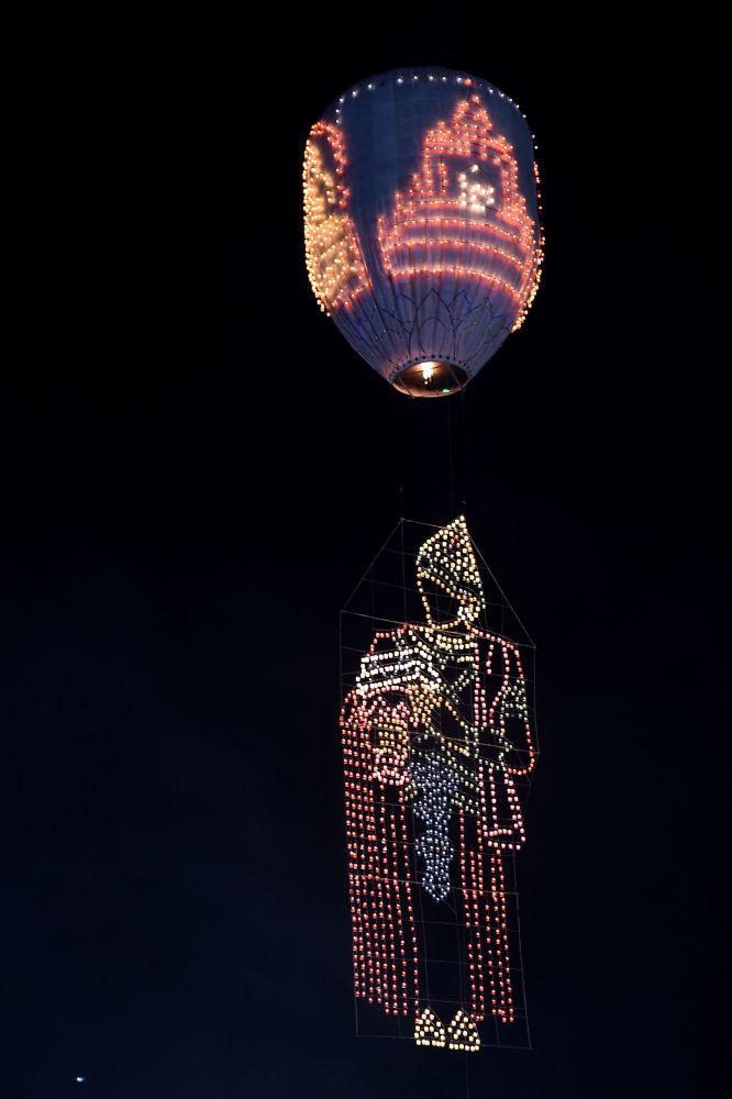 """缅甸2019年""""光明节""""上的热气球节日表演开幕式"""