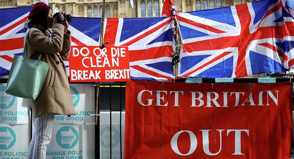 英国首相约翰逊承诺在明年1月31日脱欧