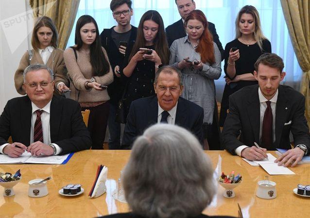 俄外长:莫斯科坚持不允许核战争的立场