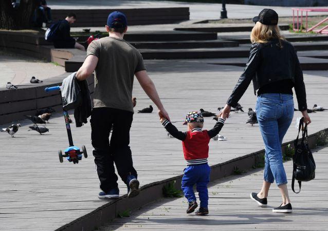俄滨海边疆区6日起允许散步和小团体徒步游览