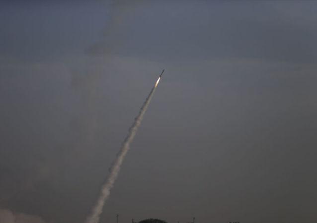 以色列防空系统拦截来自加沙地带火箭弹(资料图片)