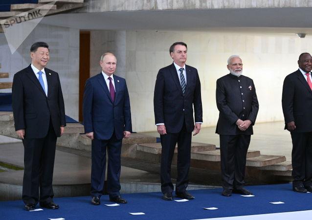 普京:俄罗斯接任金砖国家轮值主席国后将注重扩大外交政策协调