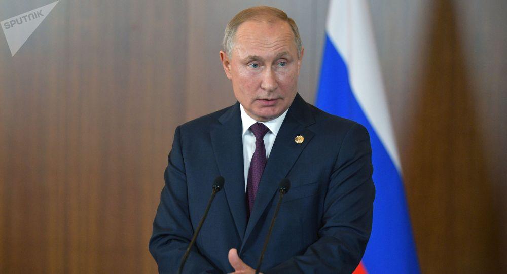 克宫:普京总统与俄安全会议常委讨论金砖峰会成果
