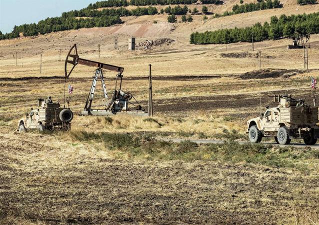 """美国不相信叙利亚政府已准备好保护油田免受""""伊斯兰国""""袭扰"""
