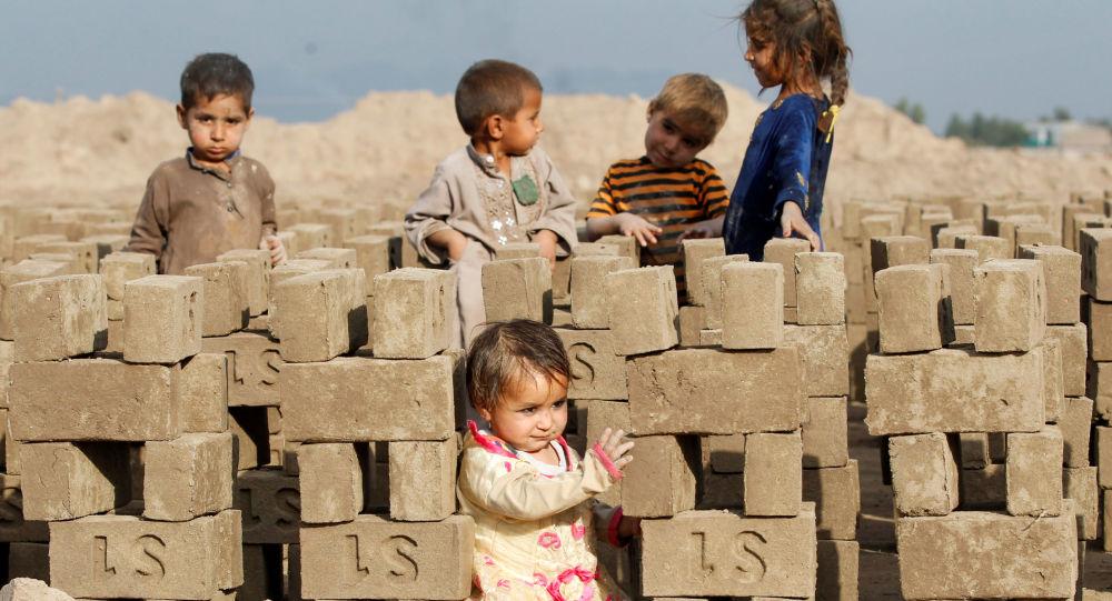 人权组织:阿富汗死于美国及其盟友打击的儿童数量逐年增加
