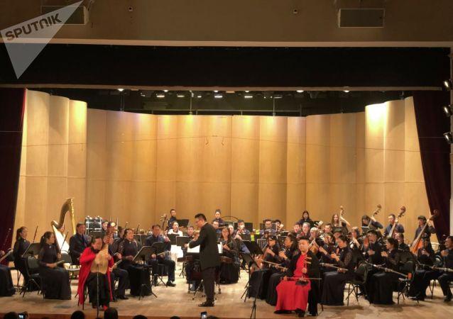 上海民族乐团演奏家:圣彼得堡国际文化论坛是将中国文化展示给全世界的平台