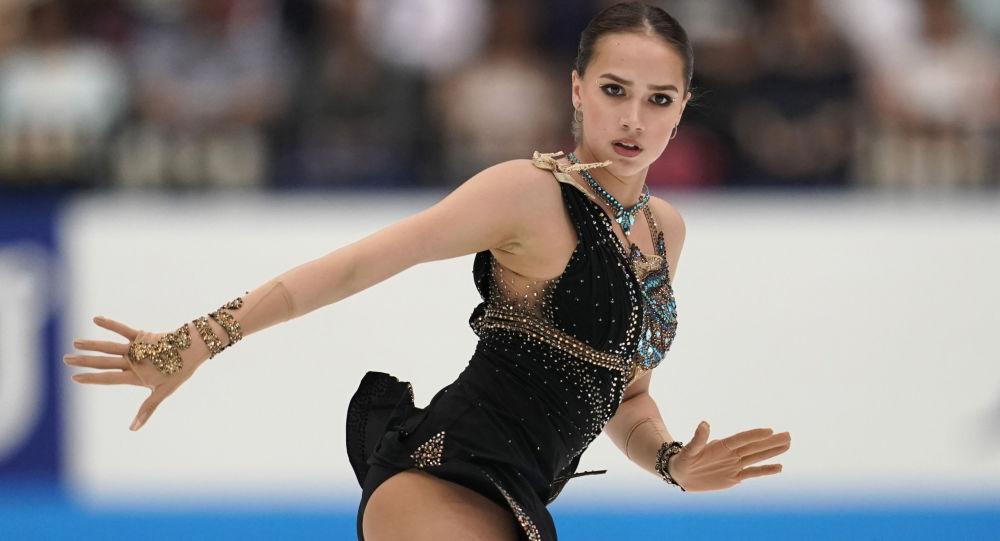 阿丽娜•扎基托娃重返训练场