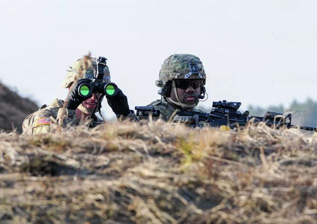 美国军方测试新型夜视仪