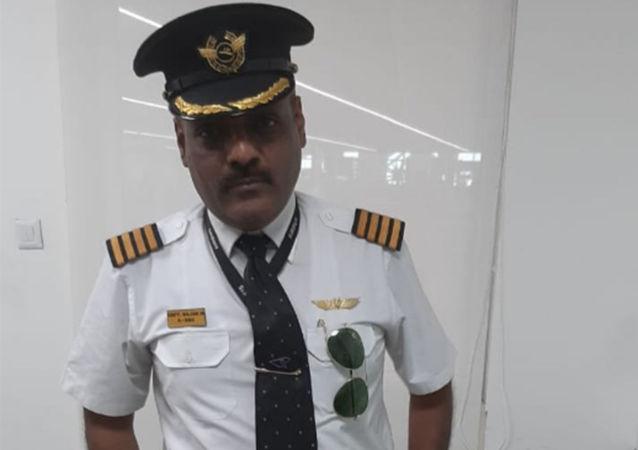 印度机场逮捕一名假扮机长的男子