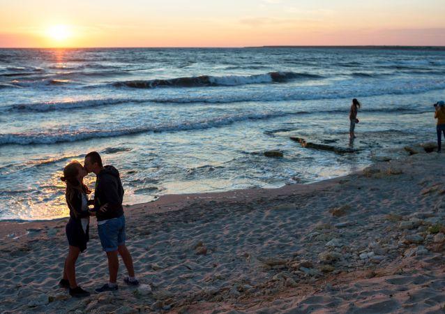 民调:近半数俄公民决定今年不休假