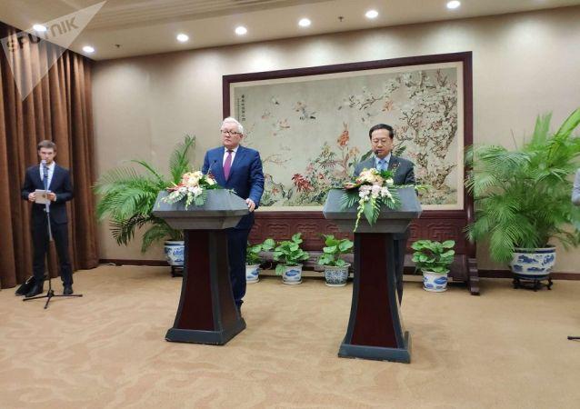 中国副外长:美应尽早回应俄方关于延长《新削减进攻性战略武器条约》呼吁