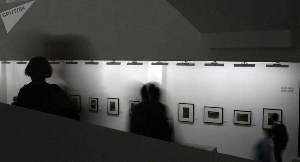 《无处安放:单车坟场全纪录》照片展将在莫斯科展出