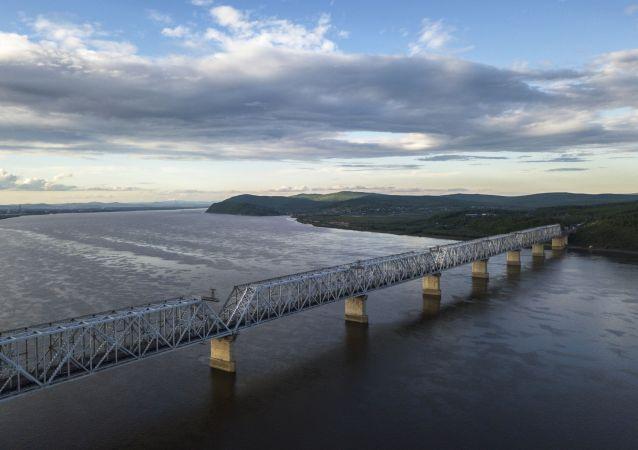 阿穆尔州连接俄中界河大桥