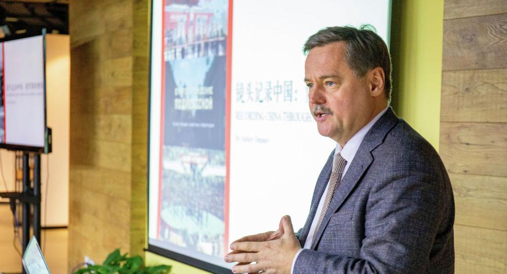 全俄国家电视广播公司历史频道总编辑、纪录片制片人阿列克谢·杰尼索夫