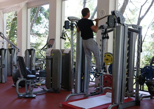 俄总理:自己天天早上锻炼身体