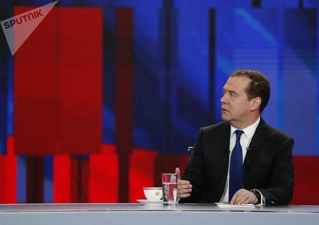 俄总理谈自己做出的最艰难决定