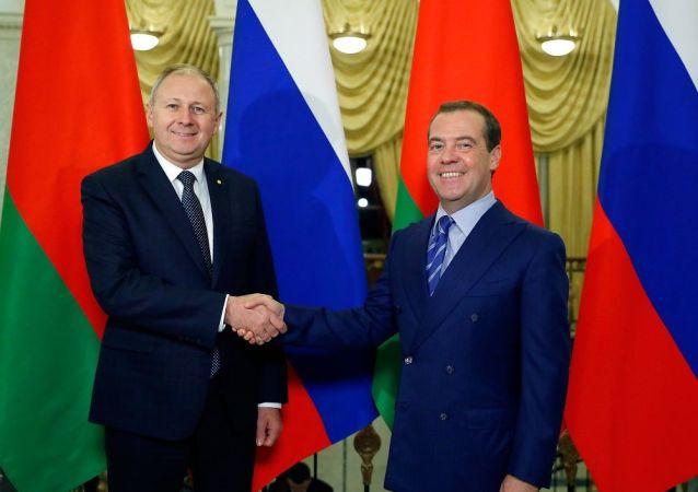 消息人士:俄白两国总理会谈富有成果但未解决所有问题
