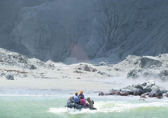 新西兰火山喷发造成1人死亡