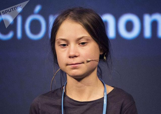 """瑞典环保女孩为自己要把政治家""""逼到墙角""""的言论道歉"""