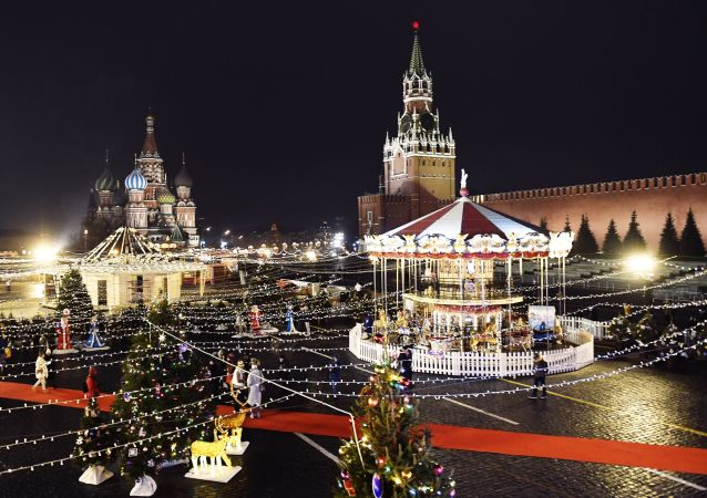 俄莫斯科红场古姆百货商场溜冰场将于今日开放