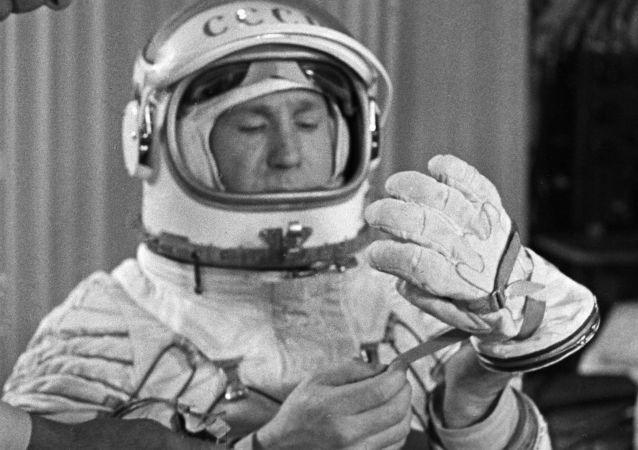 苏联宇航员列昂诺夫