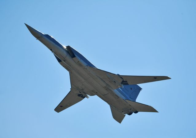 俄图-22M轰炸机