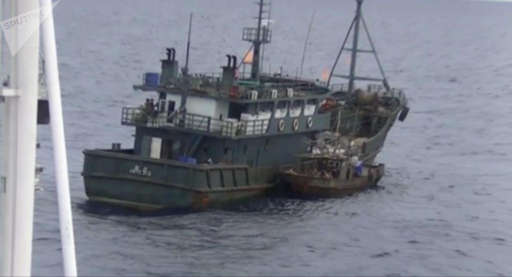 朝鲜木制捕鱼船
