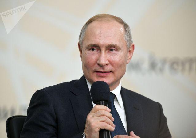 普京:斯大林没让自己与希特勒直接沟通从而沾上污点