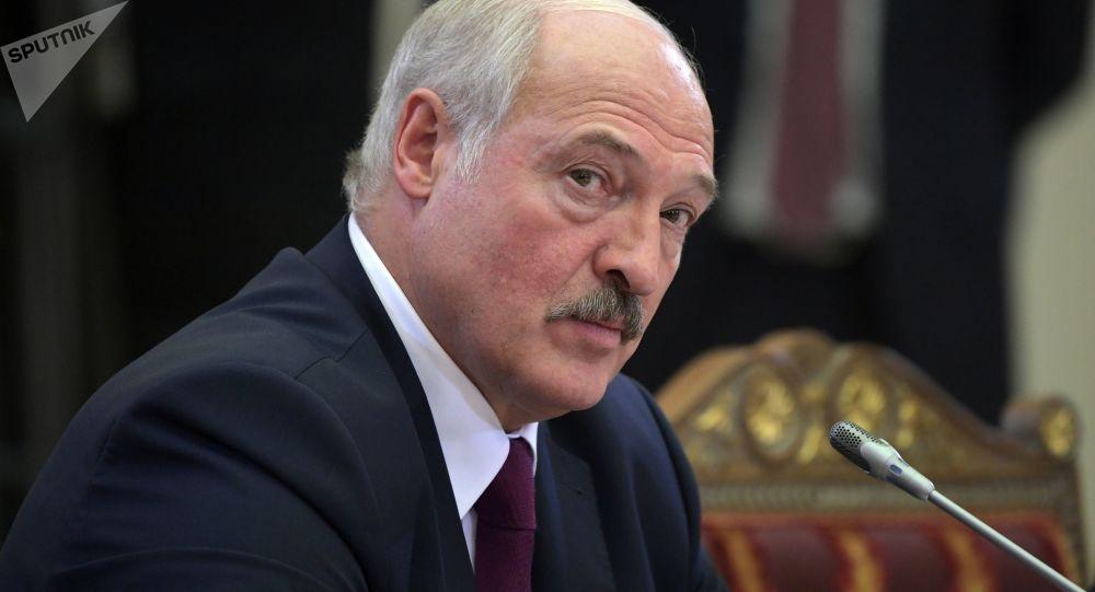 卢卡申科:冠状病毒使白俄罗斯的生存处于威胁中