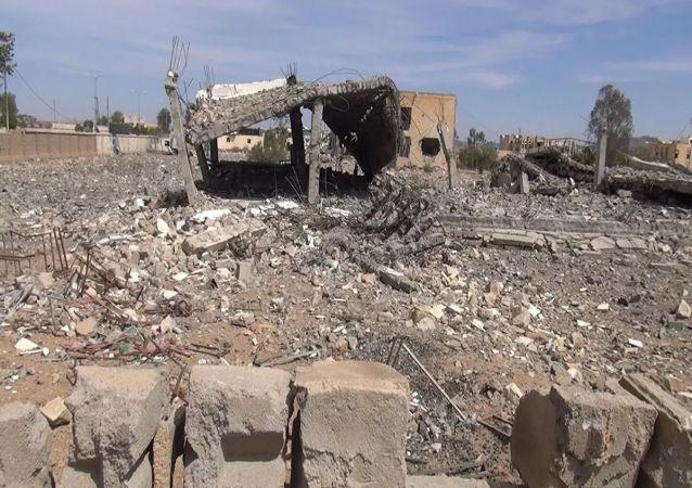 消息人士:也门政府军基地遭到导弹攻击 致死数量升至70人