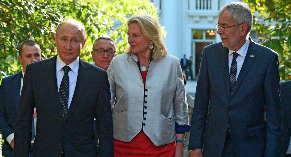 奥地利前外交部长指责欧盟不支持普京的提议